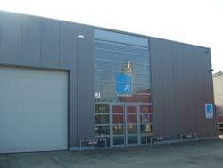 Inrichten van kantoren en 1000m² magazijn