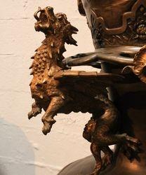 détails d'un des dragons