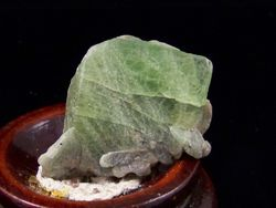 09-00466 Peridot Crystal