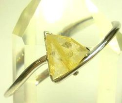 09-00124b Rutilated Quartz Triangle Sterling Circlet Bracelet