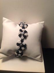 Black & White Flowers (Item #2183) $18.00