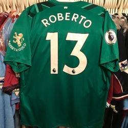 Roberto worn 2019/20 poppy shirt.