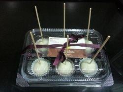 White chocolate Raspberry CakePops