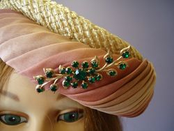 Vintage Pill Box Style with Pin Close Up