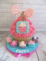 Num Noms Giant Cupcake