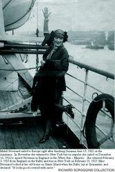 1923 Mabel returning home