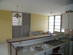 3 cuartos y un baños, biblioteca u oficina, sala, comedor, cocina, recibidor.