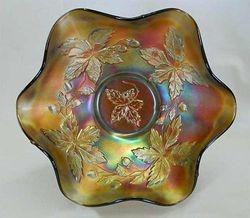 Autumn Acorns ruffled bowl, amethyst