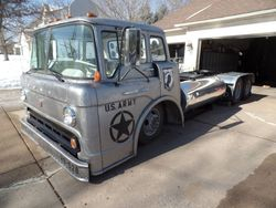 22.61 FORD C700 Custom Cabover