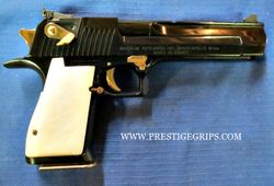 DESERT EAGLE Smooth white pearl mounted