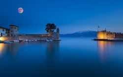 Nafpaktos Full Moon