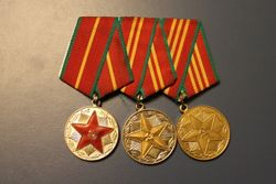 Tarybiniu medaliu blokas Uz karine tarnyba. Kaina 38 Eur.