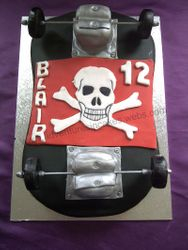 Skateboard Cake with moving wheels