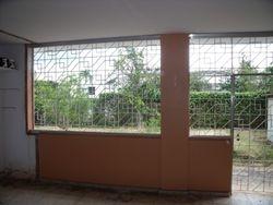 A una milla del Centro Médico y a menos de 10 minutos del RUM, el pueblo y el Mayagüez Mall.