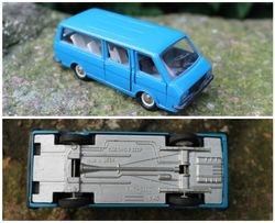 Tarybiniais laikais pagamintas modeliukas RAF-2203, 1:43. Kaina 28