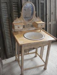 #16/055 Wooden Wash Stand SOLD