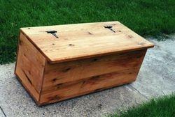 Red oak bench box