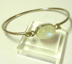 09-00122d Rainbow Moonstone Sterling Circlet Bracelet