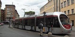 #1017 snakes past, en route to Alamanni - Stazione.