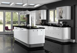 COLONIAL GLOSS WHITE KITCHEN