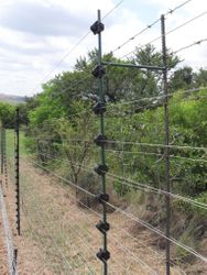 Piggy Back Electric Fencing on Diamond mesh