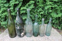 Prieskariniai buteliai. 2 vnt. Kaina po 2 Eur.
