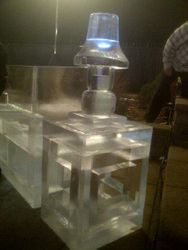 ICE END TABLE WITH LAMP SHADE