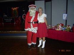 Santa Ray and Di