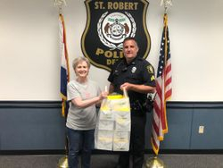 Thanking the Saint Robert Police Department