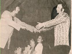 Seiji Ozawa awards Alexis Hauser with the Koussevitzky Conducting Prize 1974