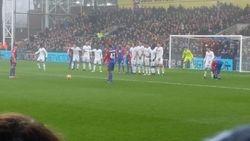Chelsea defending a freekick vs Palace