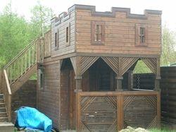 Wooden Castle (16' x 8')