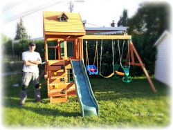 Ridgeview Clubhouse Delux Play Centre A June2013- Montreal North