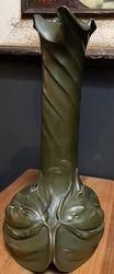 Vase en bronze art Nouveau Julia VanZype/Julia Frezin 1864-1950