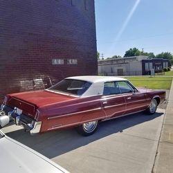 39. 78 Chrysler New Yorker.