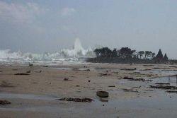 Tsunami hits Mamallapuram!