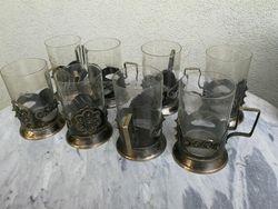 Podstakanikai (stikliniu laikikliai) su stiklinemis. 8 vnt. Kaina po 13