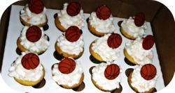 Basket ball cupcakes