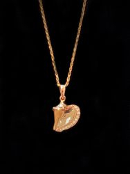 14k rose gold conch pendant with diamond edge