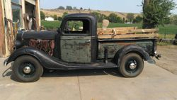 6.35 Ford  truck,