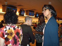 Mss Shirley - Discussing bowling