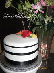CAKE 28A1 -Stripes Cake