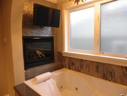 Main bathroom Tub