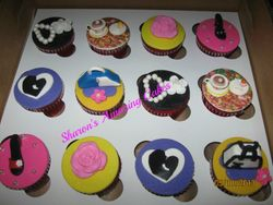CC41 -Mother's Day 2013 Cupcakes