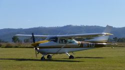 Cessna 182P VH-TTJ