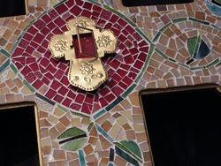 Mosaic Cross brass prayer box detail