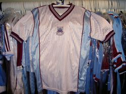 1987 away without sponsor