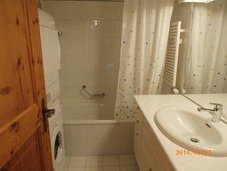 Bad WC mit Waschmaschine und Tumbler