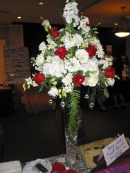 Centerpiece with hanging gems