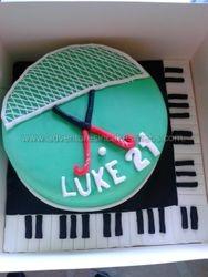 Hockey and piano cake